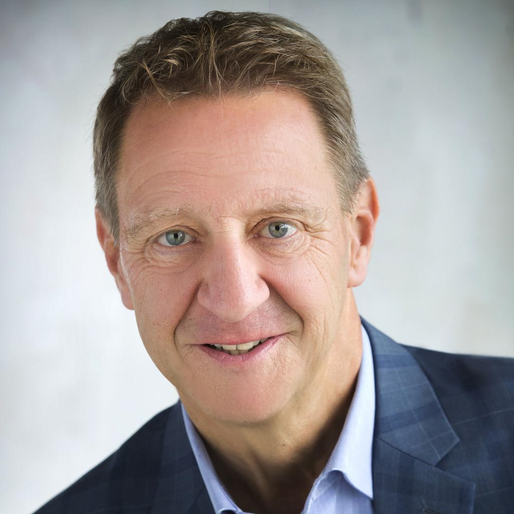 Mag. Gerhard Novak